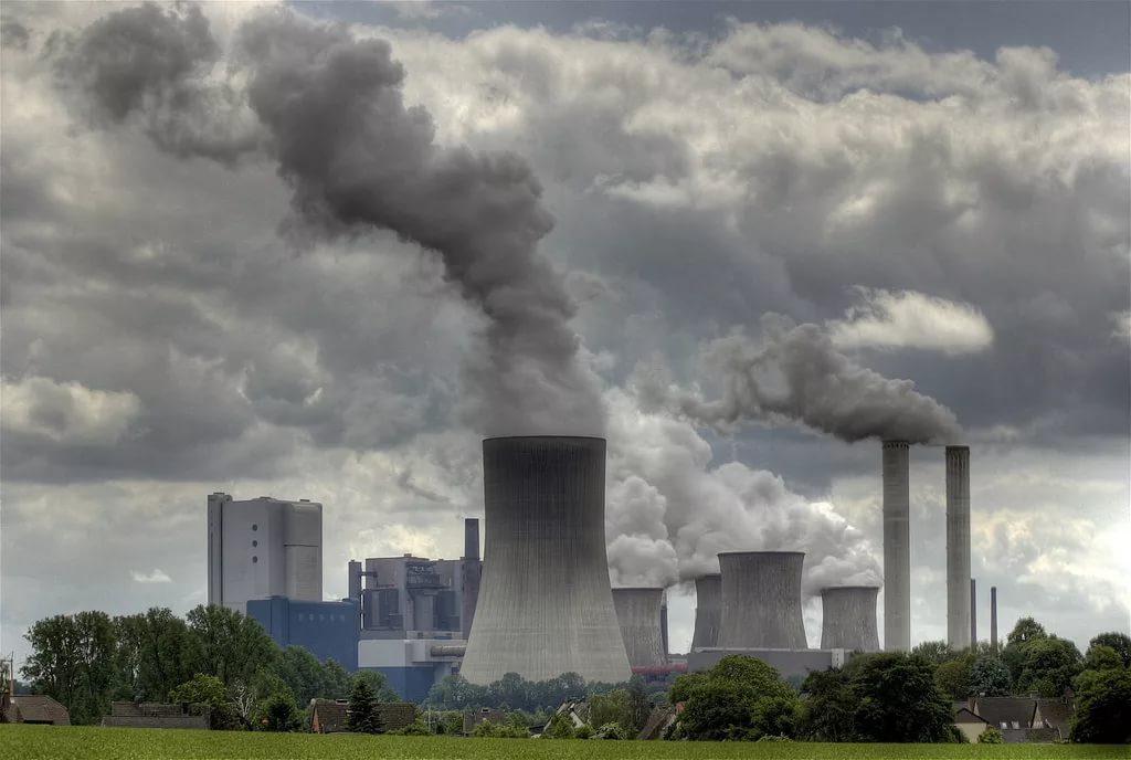 Загрязнение воздуха повышает риск развития рака груди