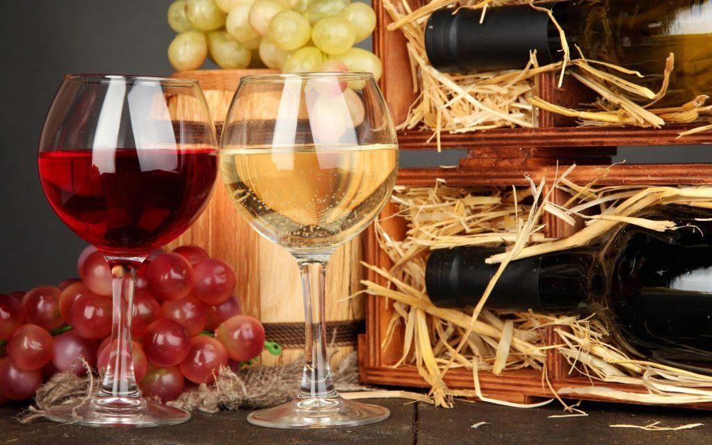 Красное вино спасает от рака, белое — вызывает его