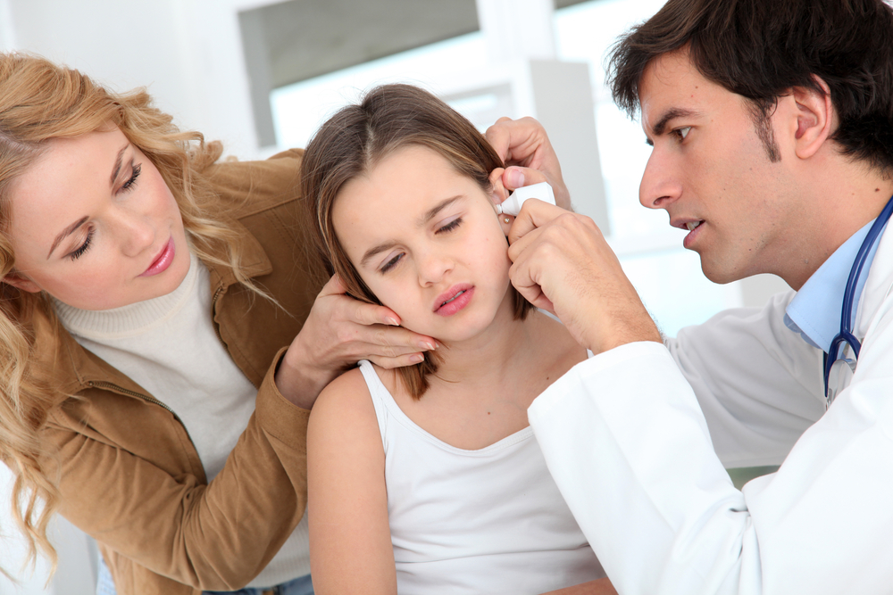 Наружный отит: причины, диагностика, лечение
