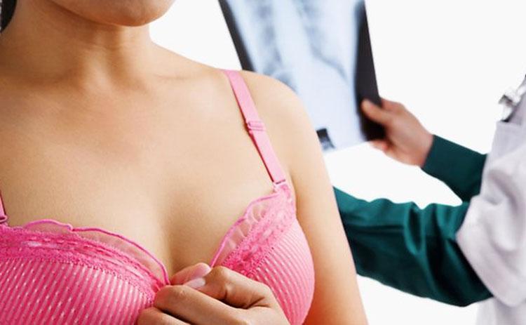 Снизилось количество случаев рака молочной железы среди белых женщин