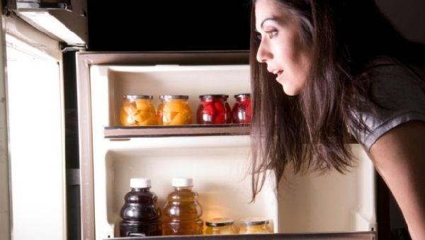 Ночное обжорство может привести к раку кожи
