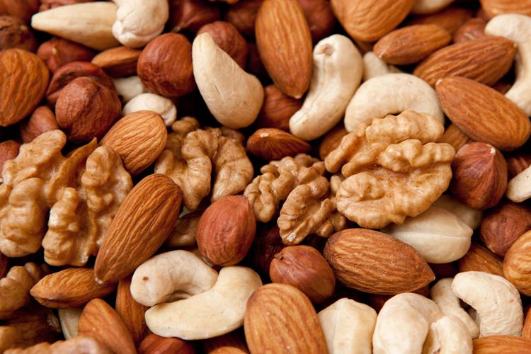 Орехи защищают от рака и продлевают жизнь