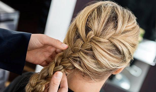 Медики рассказали, как окрашивание волос связано с заболеванием раком