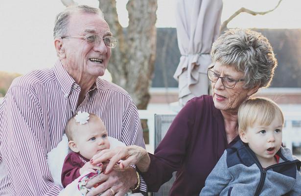 Бабушки повышают риск развития рака у внуков