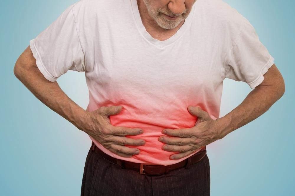 Онкологи указали на первые признаки рака желудка