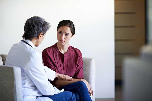 Многие люди, столкнувшиеся с раком, страдают от стрессового расстройства