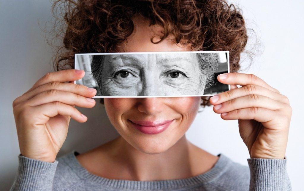 Названы ранние симптомы болезни Альцгеймера