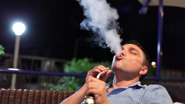 Кальян вызывает рак быстрее, чем сигареты
