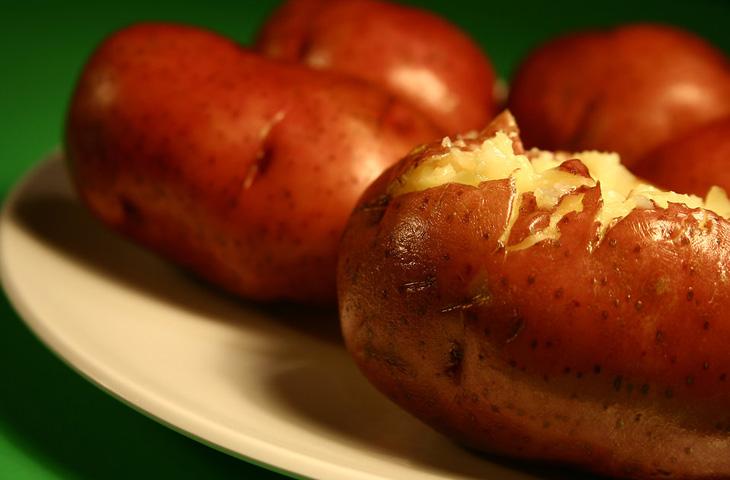 10 «невероятно вредных» продуктов, которые едят диетологи