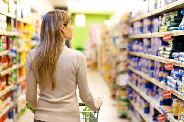 7 продуктов питания, которые лучше не покупать в супермаркетах