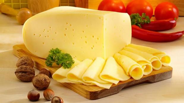 Сыр предотвращает развитие раковых клеток