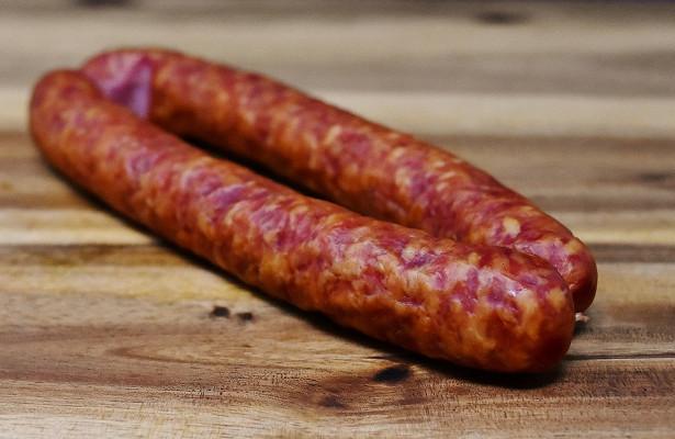 Колбаса может повысить риск рака молочной железы