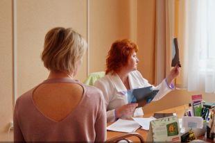 Более 800 женщин обследовали на рак груди во время акции в Барнауле