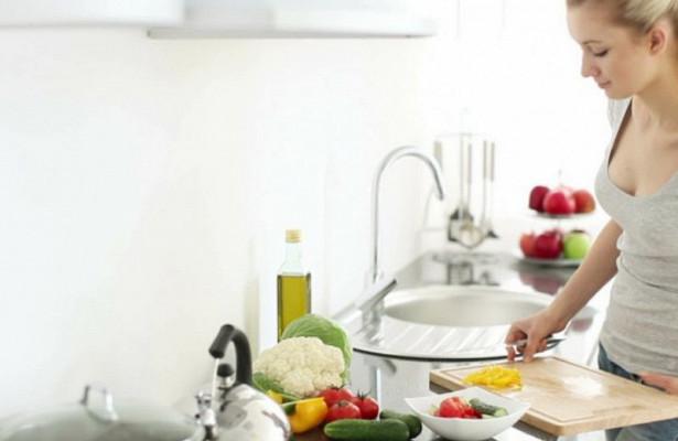 Кухонным лентяйкам в три раза чаще грозит страшный рак груди