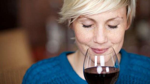 Ученые рассказали, как красное вино может предотвратить рак