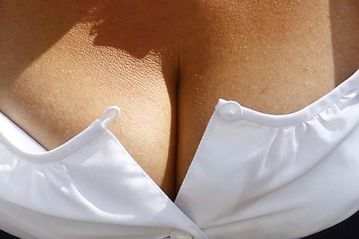Ученые: лишний вес снижает риск рака груди