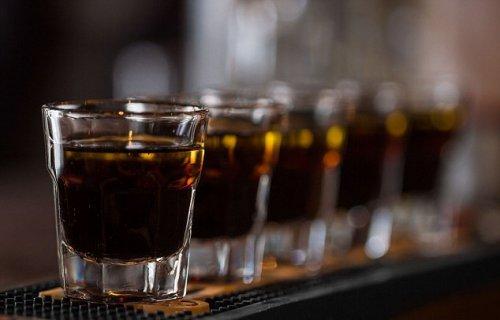 Три спиртных напитка в день приближают рак печени