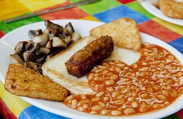 Ученые рассказали, как английский завтрак помогает лечить рак