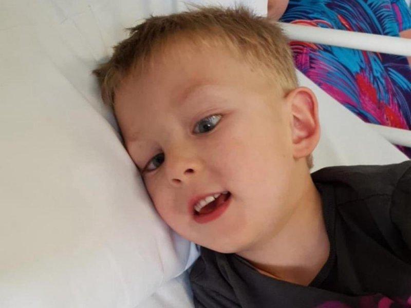 Пятилетнего малыша лечат от рака яичка