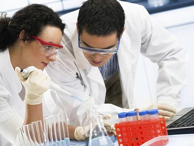Витамины В6 и В12 в рационе мужчин повышают риск рака легких