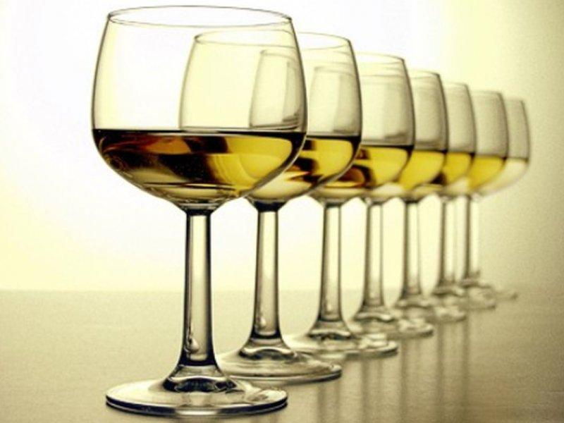 Некрепкие вина снижают риск рака
