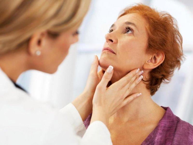 Постоянную боль в горле назвали признаком рака