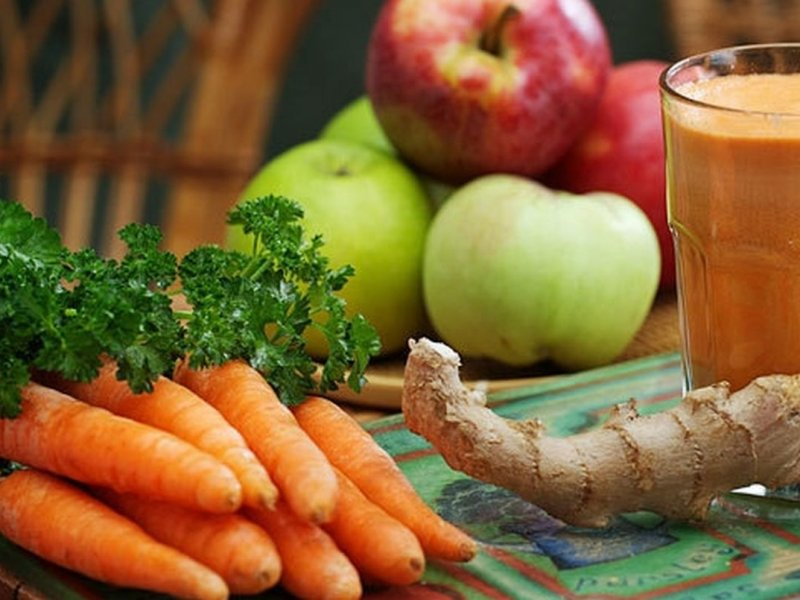 Морковь и яблоки помогают против рака