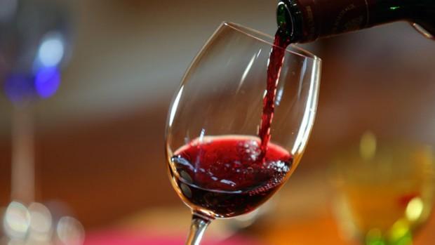 Бокал вина в день чреват развитием рака кишечника