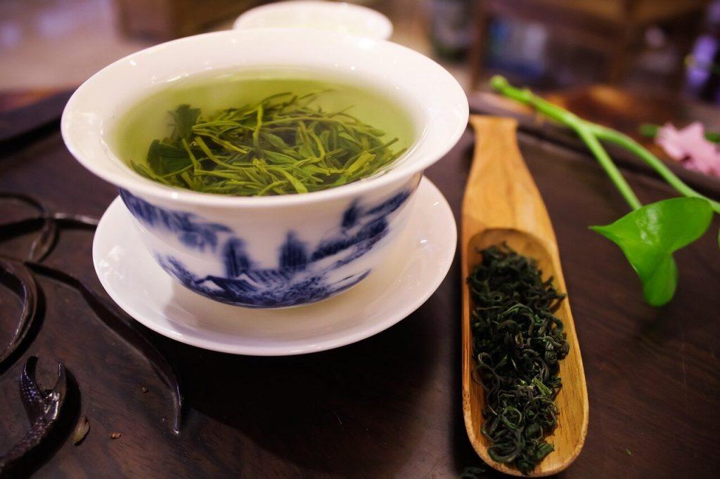 Онкологи доказали негативное влияние зеленого чая на организм человека