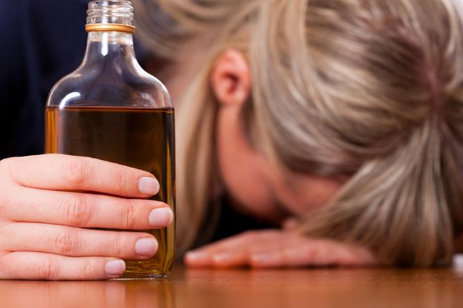 Женщины не знают о связи алкоголя и рака груди