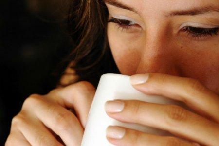 Какой известный напиток сможет уберечь от СПИДа и рака