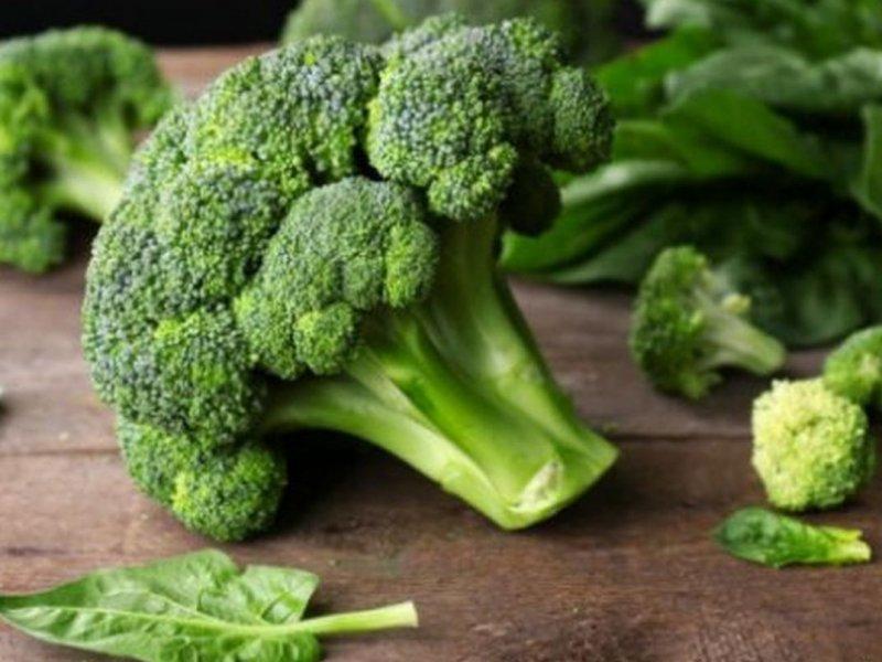 В брокколи и других овощах семейства крестоцветных обнаружено подавляющее рак вещество