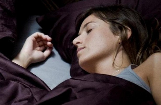 Назван симптом развития рака во сне