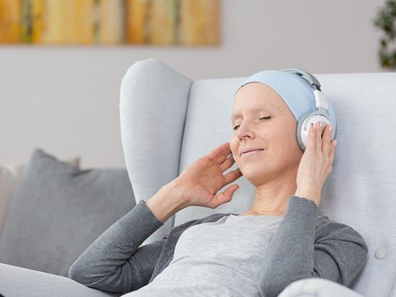 Музыка поможет раковым больным испытывать меньше болей