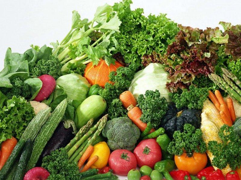 Свекла, морковь, помидоры и зеленые овощи предотвращают развитие онкологии овощи