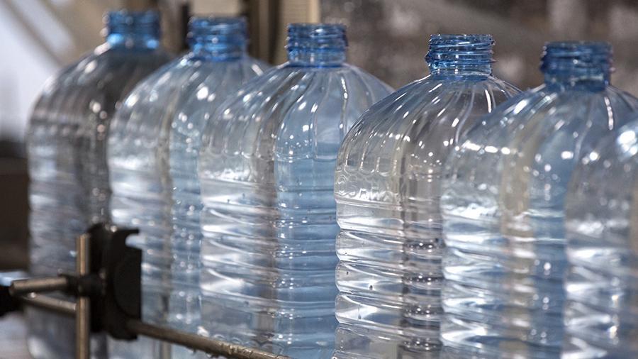 Ученый оценил вероятность возникновения рака из-за пластиковых бутылок