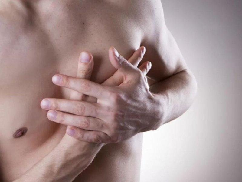 Ученые из США назвали главные симптомы рака груди у мужчин