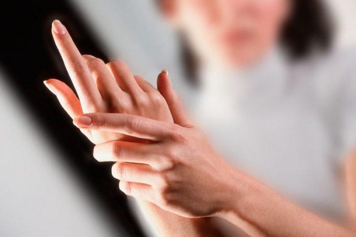 Признаки рака: почему важно следить за своими ногтями