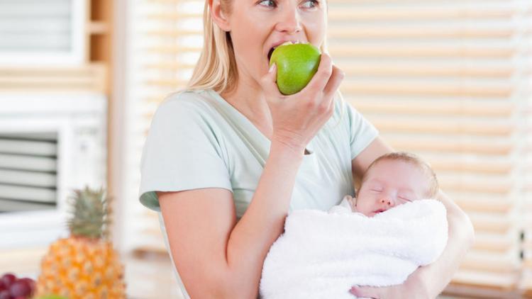 Назван витамин, который убережет женщин от рака