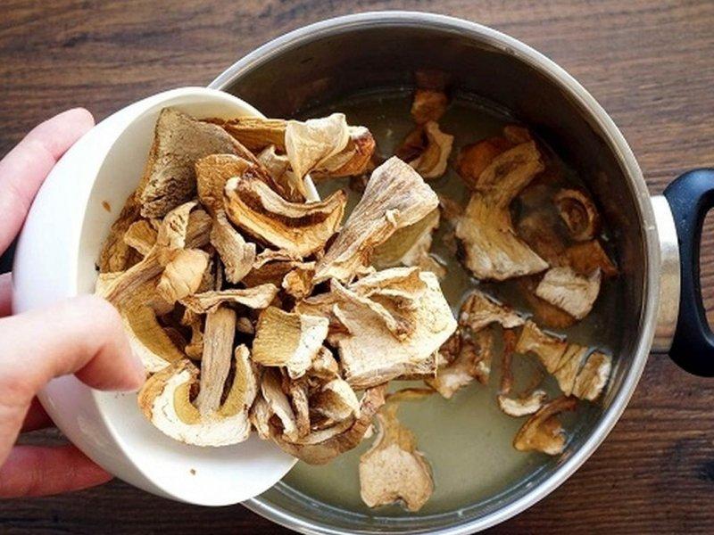 Сахар в грибах и морских водорослях может предотвращать развитие рака кожи