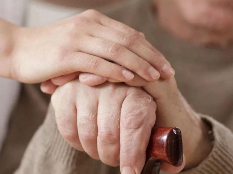 Изменившаяся кожа на руках бразильской пациентки оказалась симптомом рака
