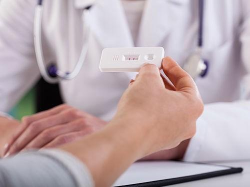 Рак яичек можно выявлять при помощи теста на беременность