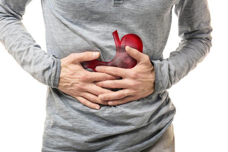 Боль в желудке может быть симптомом рака печени
