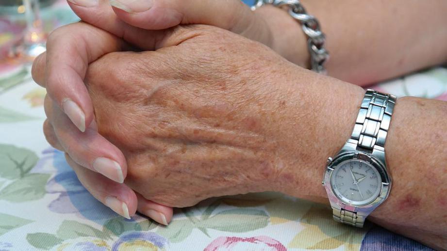 Как рубцевание кожи на ладонях связано с раком