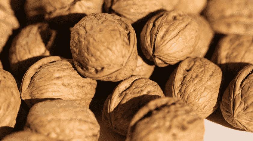 Грецкие орехи помогают снизить рак груди наполовину