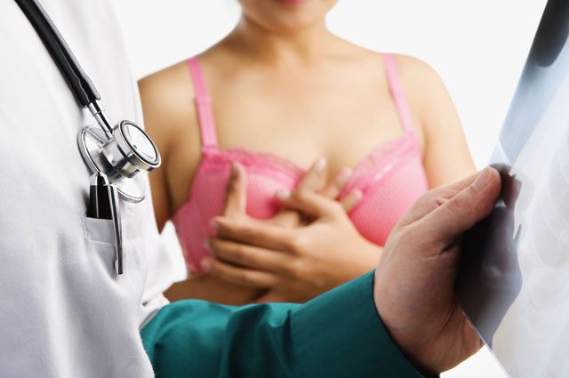 Как не заболеть раком груди: онколог дала советы
