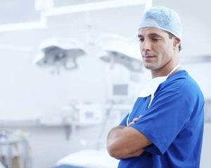 Технически подкованные хирурги увеличивают выживаемость пациентов при раке толстой кишки на 70%