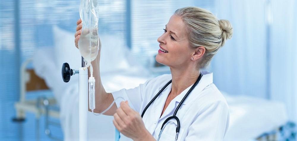 Капельница от запоя: как подготовиться и провести процедуру
