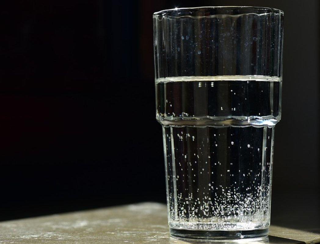 Неправильное употребление воды по утрам может привести к возникновению рака