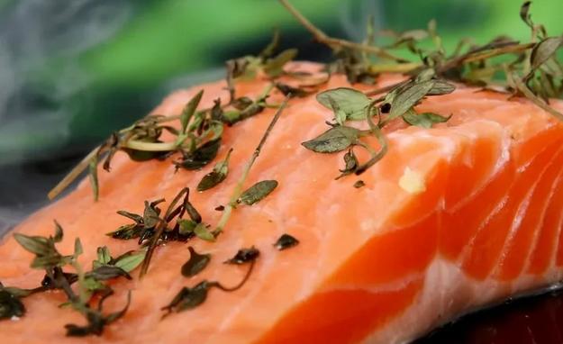 Проглоченная рыбная кость может обернуться раком
